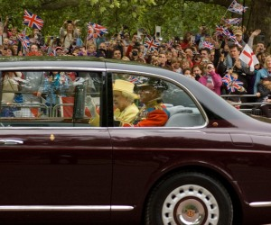 royal wedding, queen elizabeth II, processional route to westminster abbey