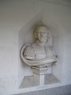 a bust at Guildhall Art Gallery