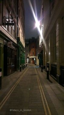 city-of-london-2012-12-7_alleyways