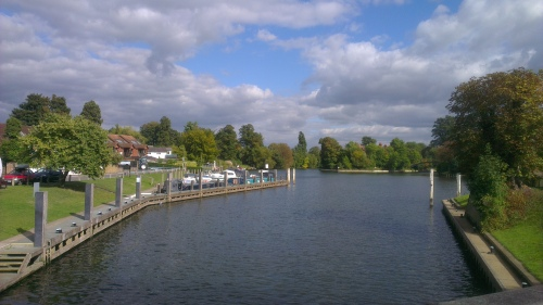 shepperton and the river thames