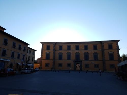 Piazza dell'Arcivescovado Pisa