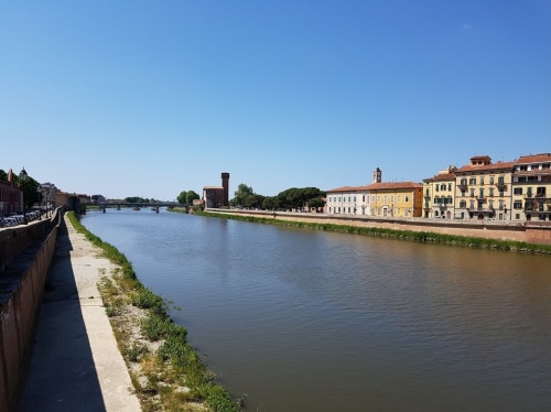 the beautiful River Arno in Pisa