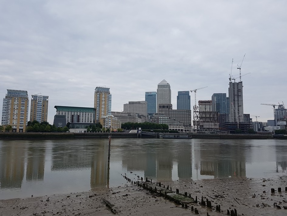 By now I had walked just on 1 hour; Canary Wharf in my sights