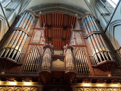 Rochester Cathedral organ...appears to soar.