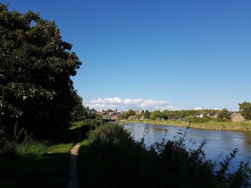 The River Arun heading upstream towards Arundel Castle