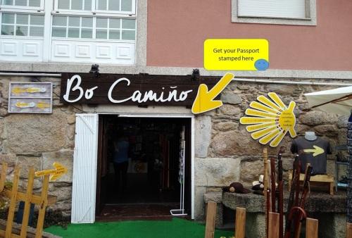 bo camino mos, walking through the galician countryside, camino de santiago, o porrino to arcade, walking the camino, portuguese coastal and central route,