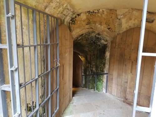 city of winchester, visit winchester, explore, winchester, palace of winchester passageways, hampshire jubilee sculpture, walking the pilgrims way