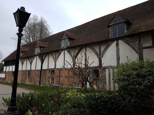 pilgrims hall winchester, winchester cathedral, city of winchester, the pilgrims way, st swithuns shrine, queen eleanors garden, old minster winchester