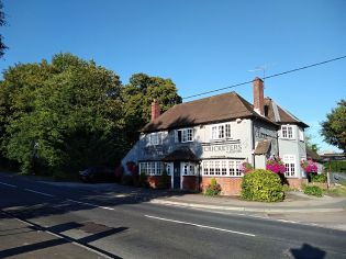 the cricketers new alresford, walking the pilgrims way, winchester to canterbury along the pilgrims way, long distance walks uk, solo walking for women, explore england, walking the pilgrims way to canterbury