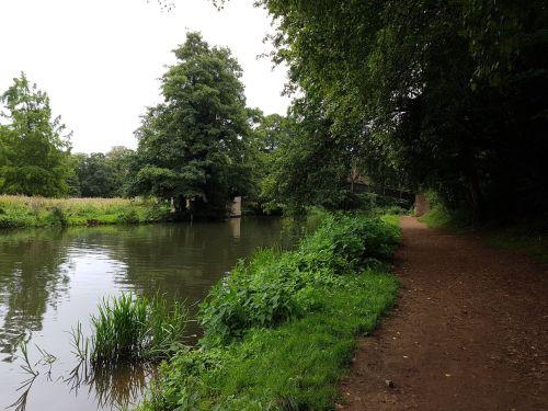 river wey, walking the pilgrims way, the pilgrims way winchester to canterbury, long distance walks england, women walking solo
