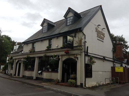 stepping stone pub, box hill, walking the pilgrims way, the pilgrims way winchester to canterbury, long distance walks england, women walking solo