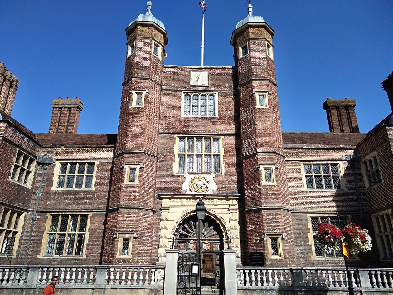 abbots hospital guildford, history of guildford, walking the pilgrims ways, long distance walks of england