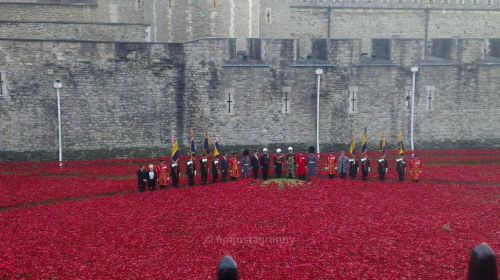 silent soldiers, silent silhouettes, world war one, blood swept lands and seas of red, centenary, lest we forget,