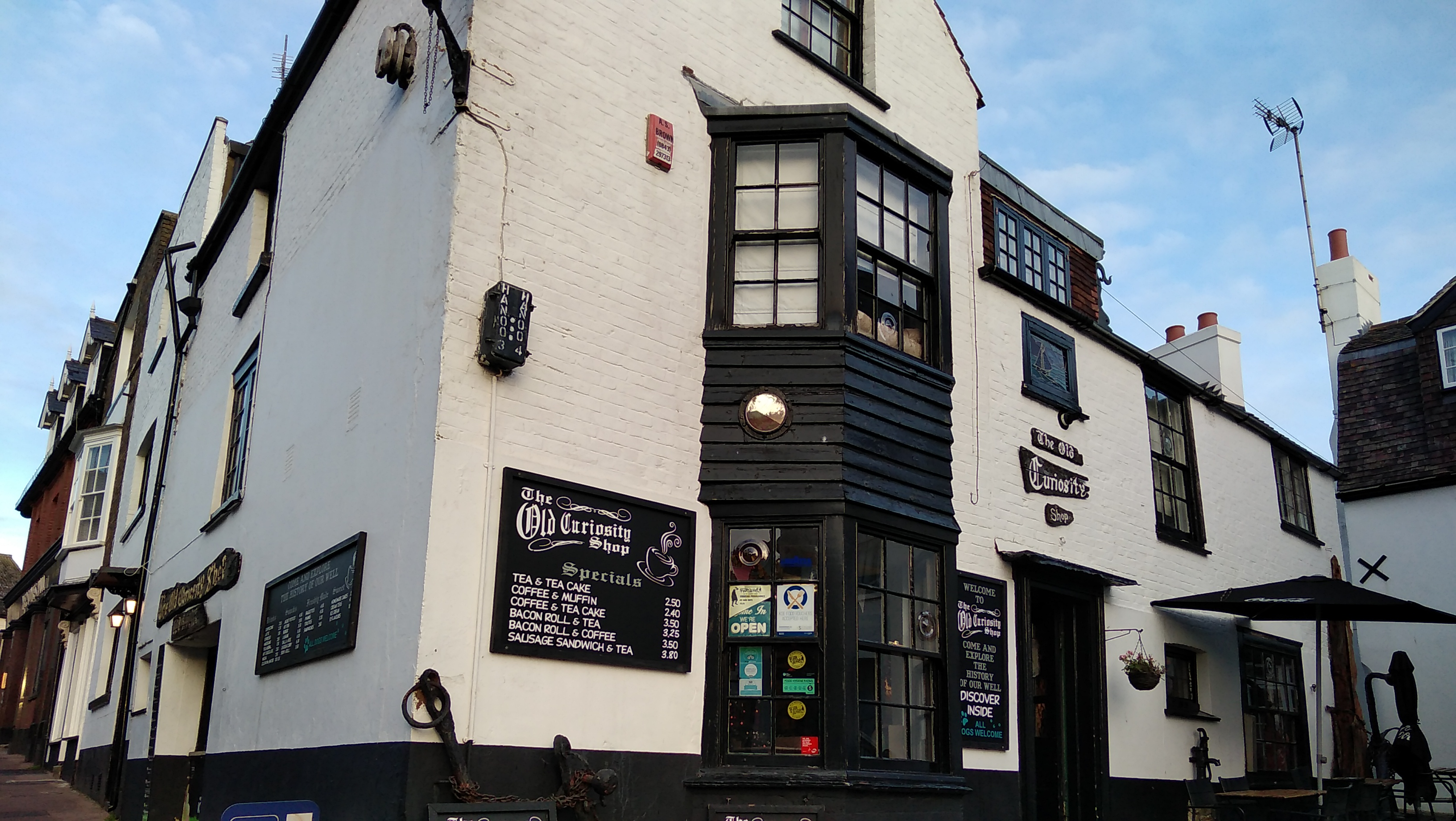 the old curiosity shop broadstairs, walk 1000 miles, viking bay broadstairs, walks in england, new years day swim