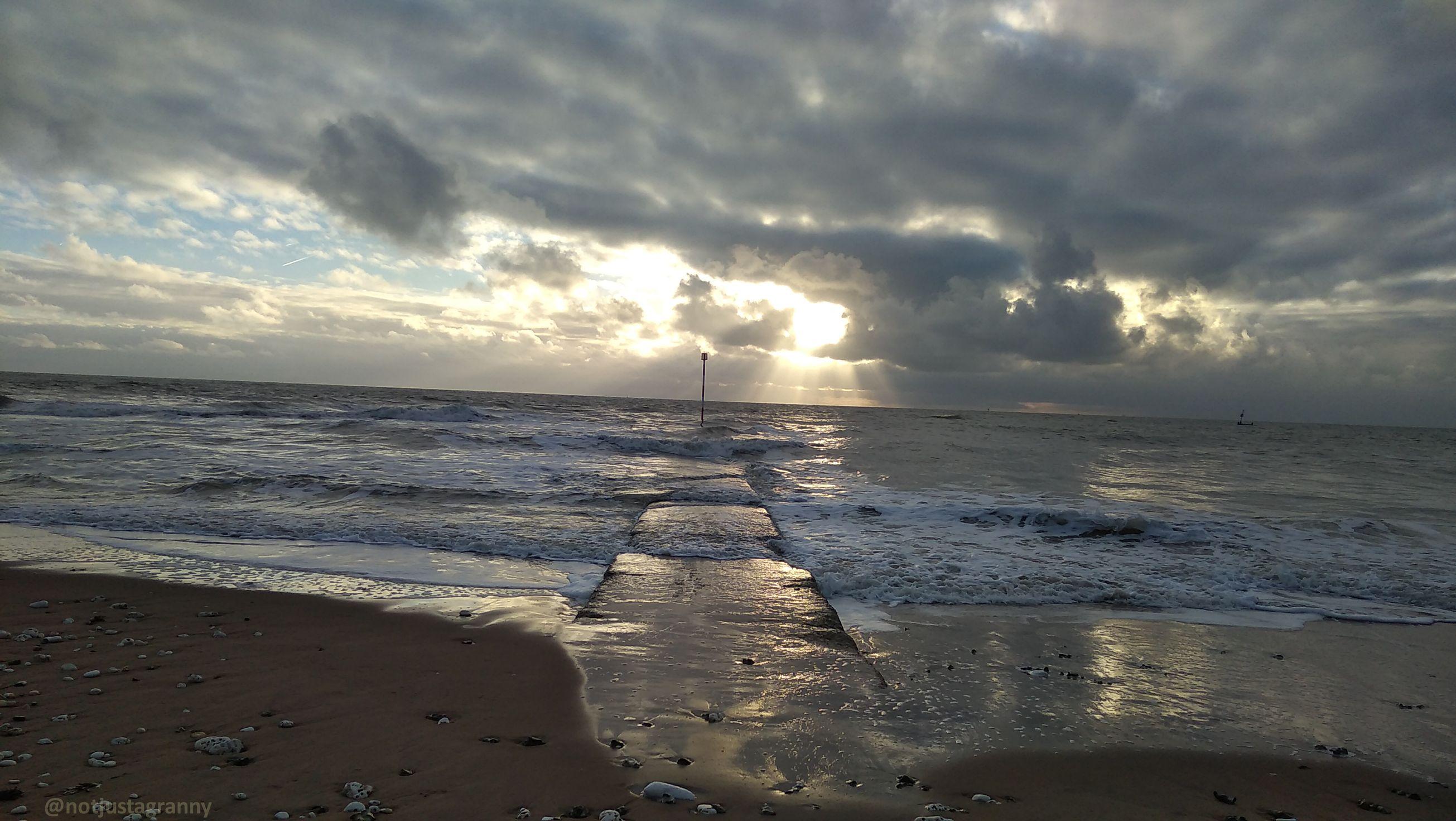 walk 1000 miles, walks along the english coast, walks in england, english channel , sunrise