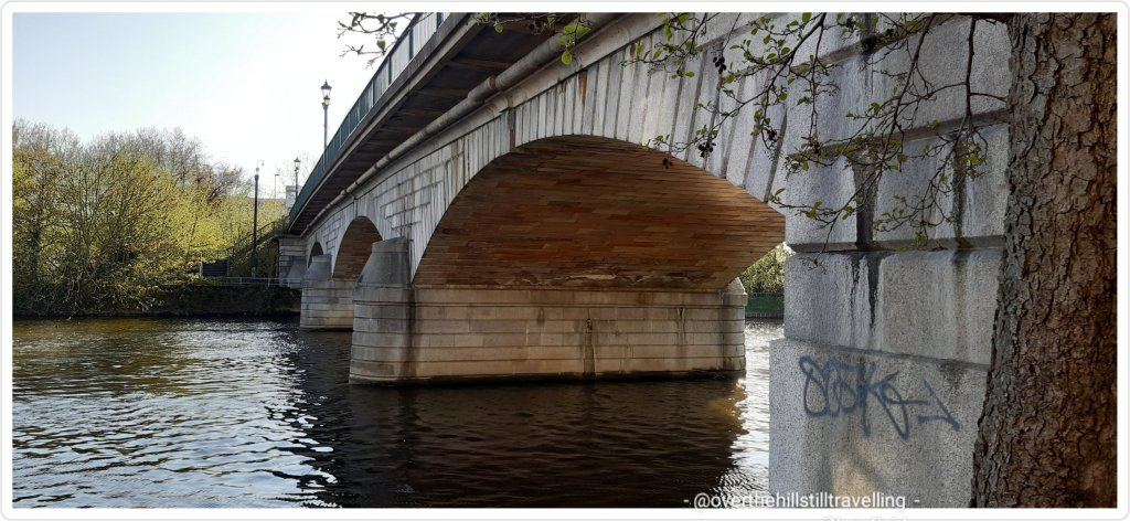 walking the thames path, staines upon thames